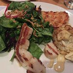 Crab cake, scallops, shrimp, salad