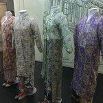 The kebaya - the clothing of the nyonyas - thro' the years