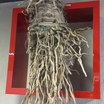 ceci fais partie de la déco .racine de bambou sculpté