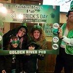 Foto de Golden River Pub