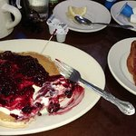 Just order the cream cheese pancakes, you wont regret it