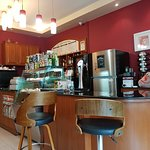 Photo de The coffee house by honeys