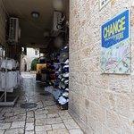 Tiendas y casa de cambio