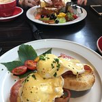 Eggs Benedict - ample sufficiency.