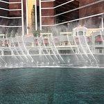 ภาพถ่ายของ Performance Lake at Wynn Palace