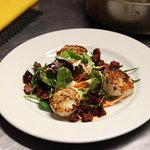 Lovely fresh cooked scallops great tasting starter