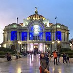 Palacio de Bellas Artes lit for sunset
