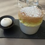 Soufflé au Grand-Marnier. Grandiose !