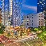 Aloft Austin Downtown