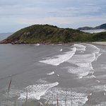 Praia em Brazílias, atrás Praia do Miguel (Morro do sabão) depois Encantadas