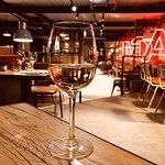 Les Mauvais Garçons Arras : Restaurant, bar à vins, lieu de vie...