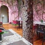 breakfast patio at Rosas y Xocolate