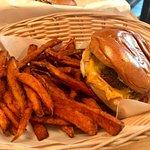 Foto de Tommi's Burger Joint