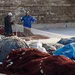 preparing the fishing net