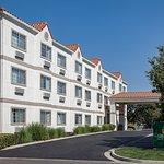 戴維斯拉金塔旅館&套房酒店