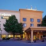 La Quinta Inn & Suites Milwaukee Bayshore Area