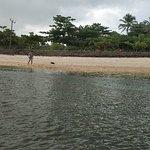 Photo de Ujung Genteng Beach