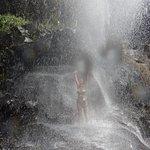 Massage sous la cascade