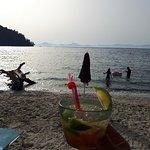 Photo de Help Beach Bar
