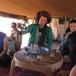 un  te en casa de los nomadas
