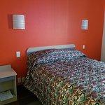 Morgantown Inn & Suites