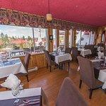 Table d'hôte 25$ ou 30$, menu Bistro à la Carte Réservez 1-800-363-6478