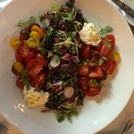 Salat Family style, great presentation and flavourful,