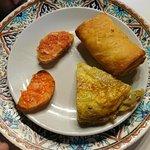 tortilla de patata y rollito