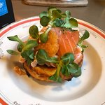 The best blinis! Tried the mushroom, salmon + apple dessert variety - all wonderful. Salmon is a