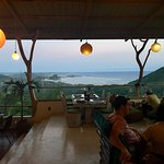 Foto Ashtari Lounge & Kitchen