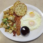 Traditional Breakfast at Egg Harbor Cafe - Schaumburg (13/Apr/18).