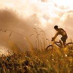 Like E-Bike Touren hinterlassen Erlebnisspuren Wir schneidern für Sie die Traumtour