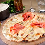 pizza pera gorgonzola