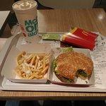 صورة فوتوغرافية لـ McDonalds - Champs Elysees
