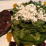 Beet salad with skirt steak