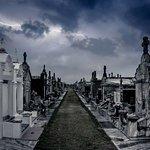 Tur Hantu & Vampir