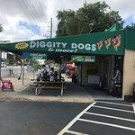 Foto de Hot Diggity Dogs & More