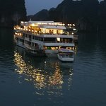 ภาพถ่ายของ Starlight Cruise Halong Bay - Day Tour