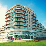 Wave Hotel & Apartments