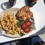 Woodhut Pub & Diner照片
