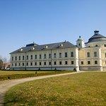 Zwiedzanie okolic Opavy - Zamek w Kravare (widok z boku)
