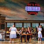 Jessie Mueller, Keala Settle, Kimiko Glenn, and the cast of WAITRESS (Photo: Joan Marcus)