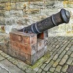 ONE OF THE TWO CANNONS OUTSIDE THE ENTRANCE