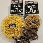 Foto de Nuts on Clark