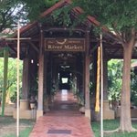 Bild från The River Market