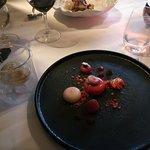 Dessert based on raspberries