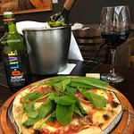 pizza + vinho