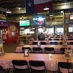 Foto de Rudy's Country Store & Bar-B-Que