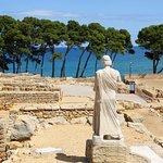 Vista de la platja d'Empúries des del Temple d'Asclepi.