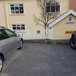 Hotel free parking area - only 3 spaces